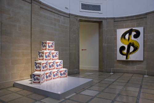 Andy Warhol já sabia tudo sobre o branco e o lucro